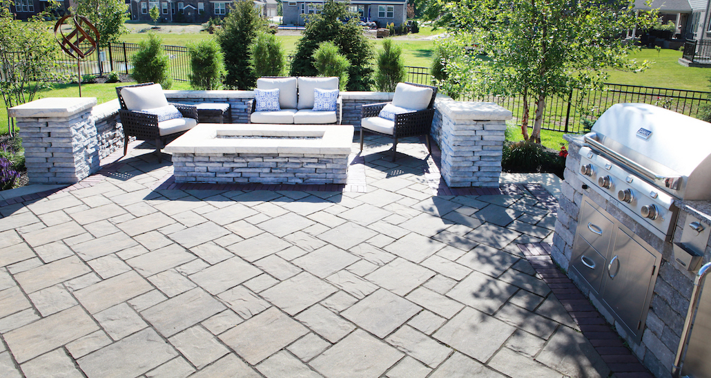 Backyard patio living space | Hittle Landscaping