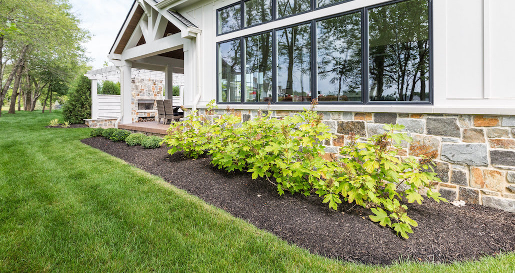 Mulched softscape with shrubbery | Hittle Landscaping