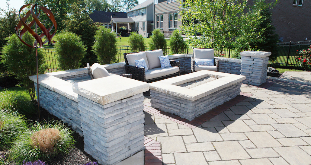 Backyard landscaping patio furniture | Hittle Landscaping